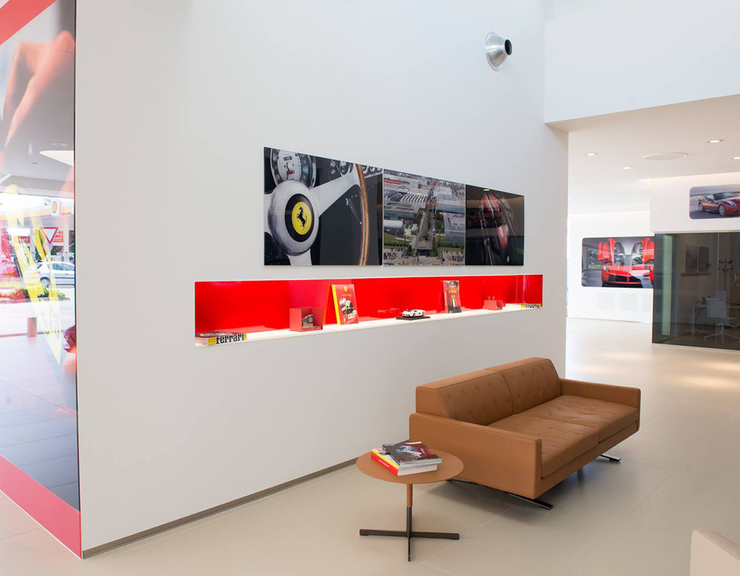 ARREDAMENTO SHOWROOM FERRARI by simone piva 03