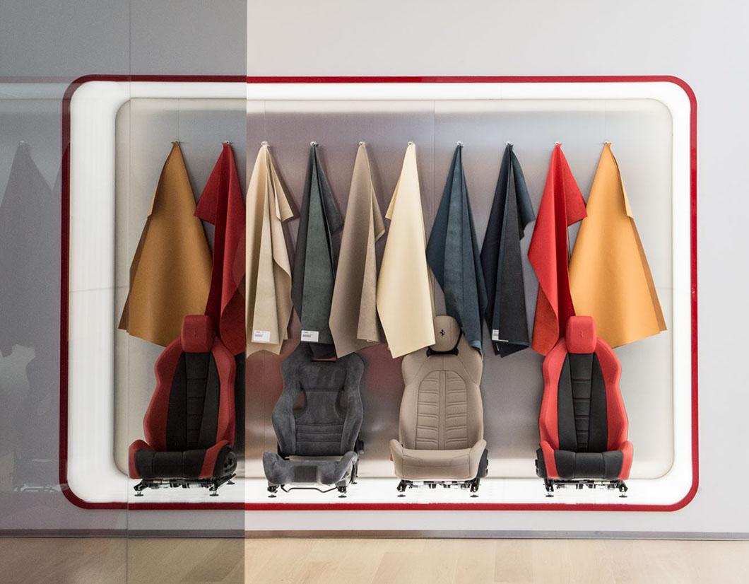 Arredamento e allestimento showroom Ferrari by simone piva