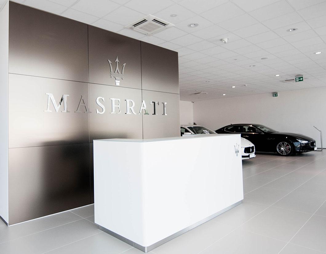 design e realizzazione area showroom Maserati - simone piva